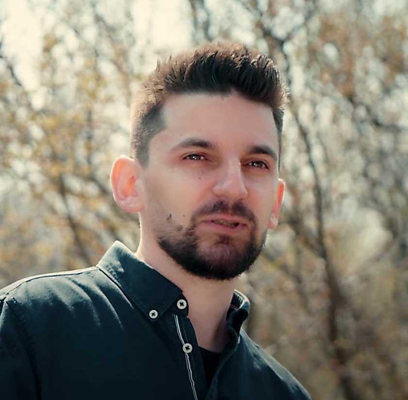 Interviu cu grafic designerul Eugen Erhan. (video by TVR)