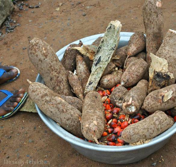 Extrem de aromat şi de picant, din care ai mânca fericit până la adânci-bătrâneţi. (Ghana. Episodul V)