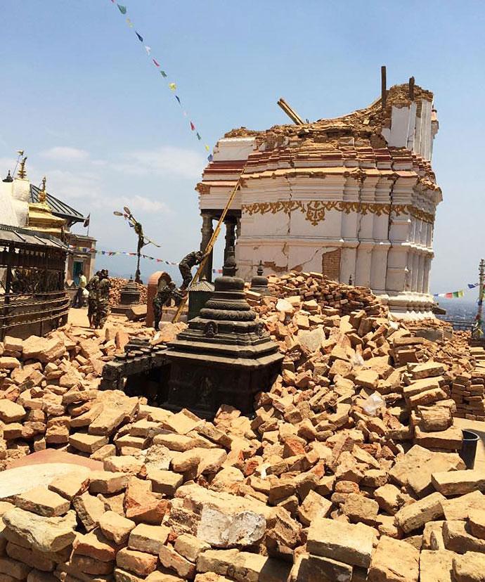 Replica serioasă a cutremurului in Kathmandu. S-au mișcat toate prin camera, se simte urât...